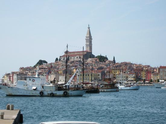 Rooms Kata: Rovinj old town seen from cafe at hotel Park