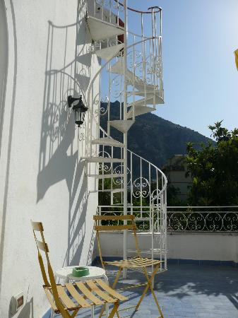 Villa Sorrento: Stairs to the roof terrace