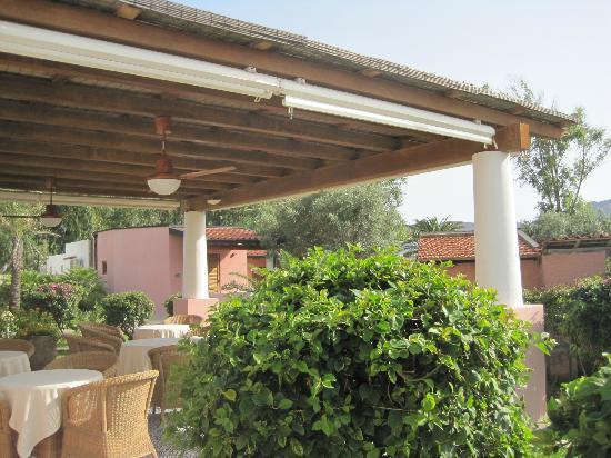 Eros Hotel: La sala esterna per la ristorazione