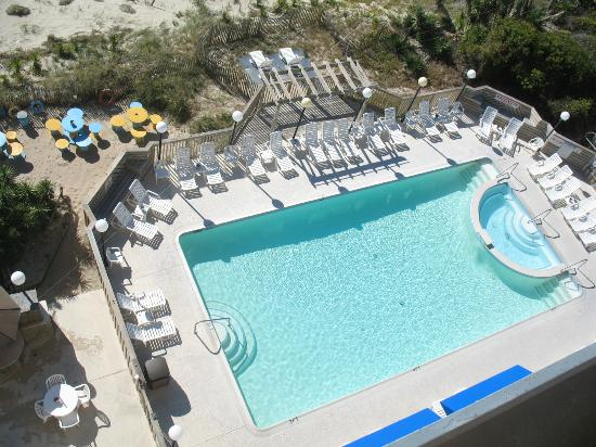The Inn at Pine Knoll Shores: Nice pool area