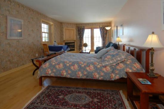 B & B Villa Massawippi : Van Gogh Room