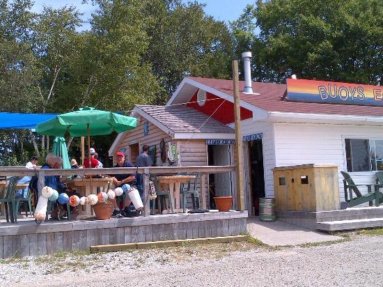 Buoy's Eatery: Buoys Eatery in Gore Bay