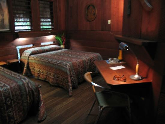 Lamanai Outpost Lodge: Interior Room