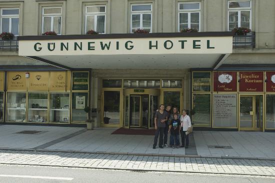 Günnewig Hotel Chemnitzer Hof: Front Entrance