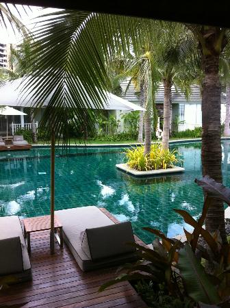 Rest Detail Hotel Hua Hin: สระว่ายน้ำ