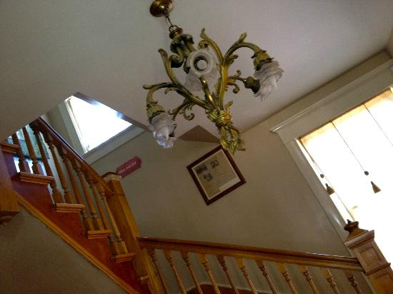 Downtown Historic Bed & Breakfasts of Albuquerque: Light in Heritage House Staircase