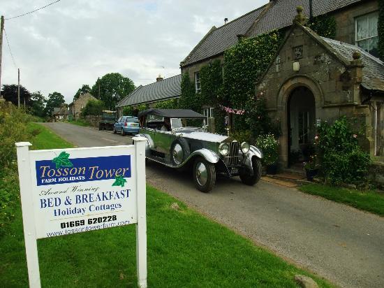 Tosson Tower Farm: Wonderful old car