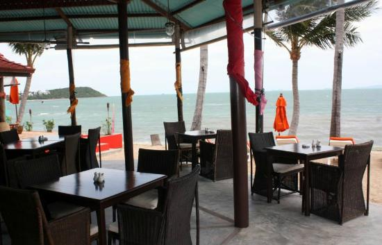 Secret Garden Beach Resort: Strandrestaurant