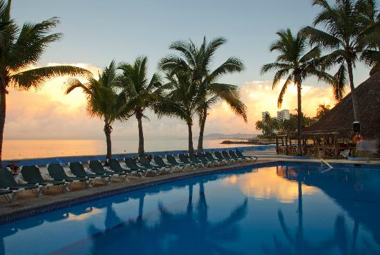 Las Palmas by the Sea: Pool
