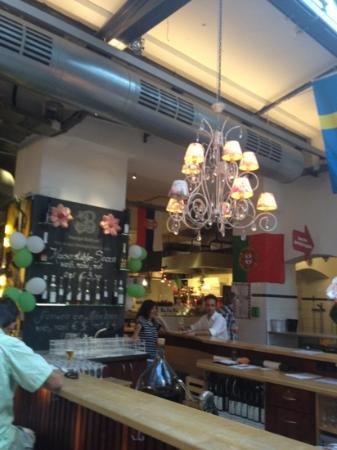 Fribourg, Allemagne : a bar at the Market Hall