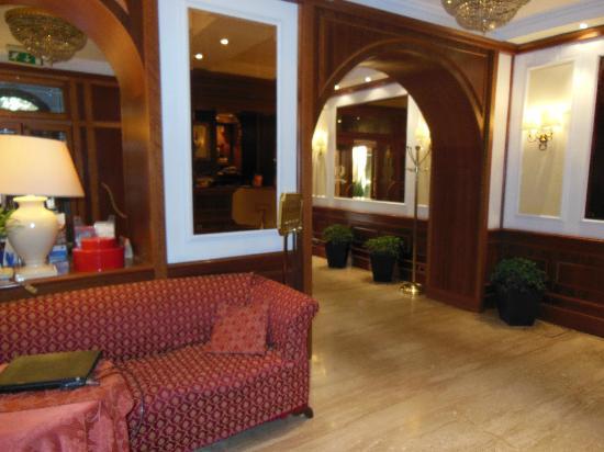 Hotel San Carlo: Lobby