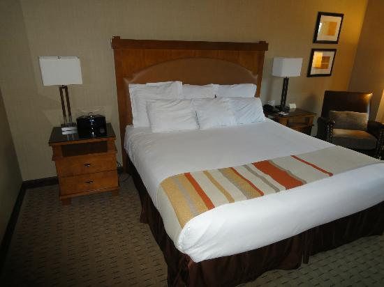 Ameristar Casino Resort Spa Black Hawk: King size bed