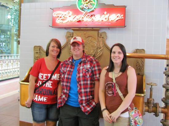 Bevo packing plant - Picture of Budweiser Brewery Experience