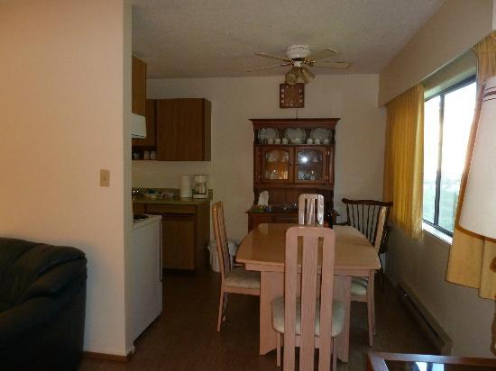 Rosedale Manor: Essbereich Wohnung 17