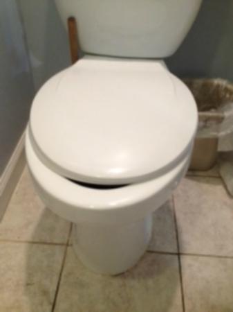 ذا برجوندي إن: bathroom 