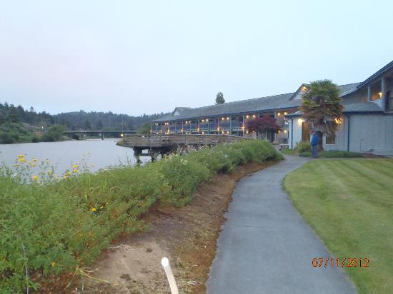 Edgewater Inn: Taking a walk