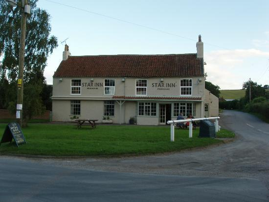 The Star Inn: outside