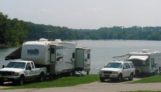 Nashville Shores Lakeside Resort: RV Lakeside Sites at Nashville Shores