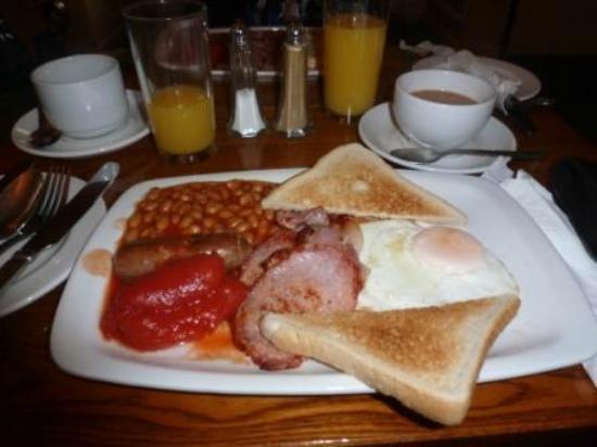 The Robin 2 Hotel: The Best Breakfast!
