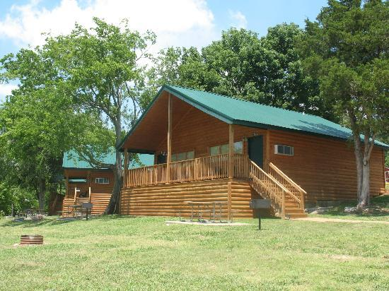 Nashville Shores Lakeside Resort: Nashville Shores Lakeside Cabins