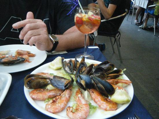 Luna Gaucha: king prawns and mussels