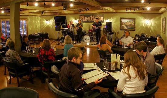 Cafe Portofino: Live entertainment every Saturday night.