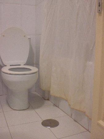 Apartamentos Colon Playa: cortina del baño