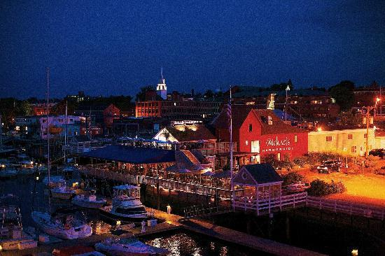 Michael's Harborside : Michael's after sunset