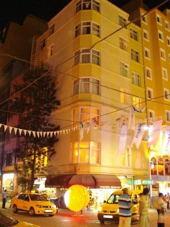 Hotel Avrupa: topcu caddesi no:14 talimhane taksim otel avrupa