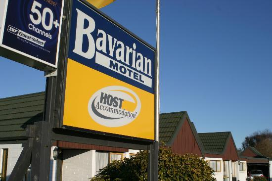 ‪‪Bavarian Motel‬: Bavarian Motel Sign‬