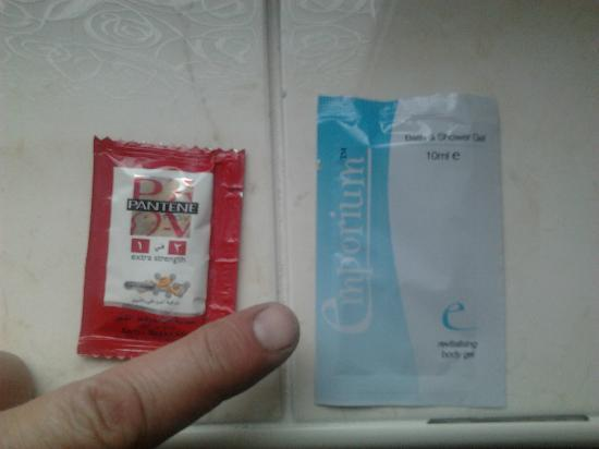 Central House Guest House: Complimentary Sachets!