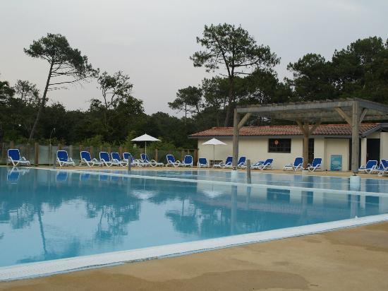 Belambra Clubs - Les Estagnots-Pinède : Piscine, pataugeoire assez grande et sécure