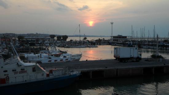 Hotel Olympia: Il tramonto visto dalla terrazza