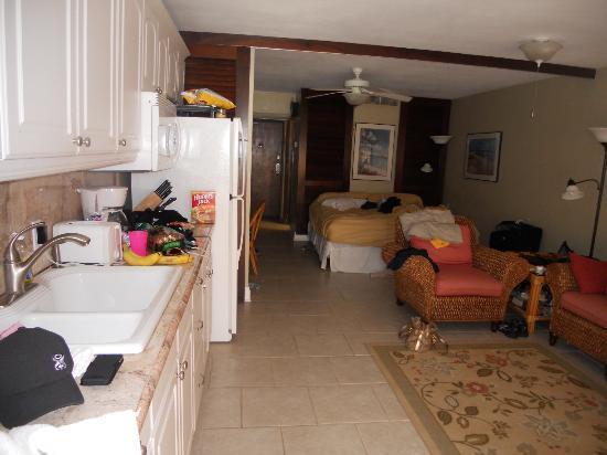 Sapphire Beach Resort: Inside E202