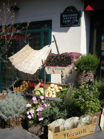 Paris, France: Little greengrocery
