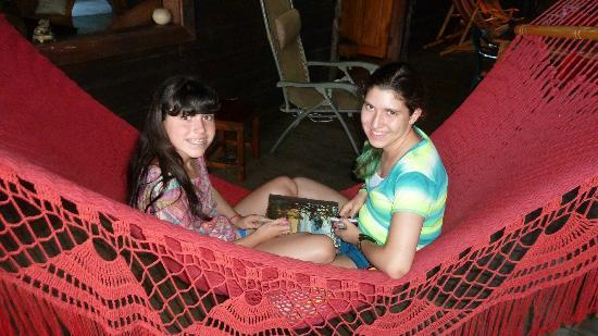 Punta Rica Beach & Jungle Villa: Relaxing and playing cards in the hammock