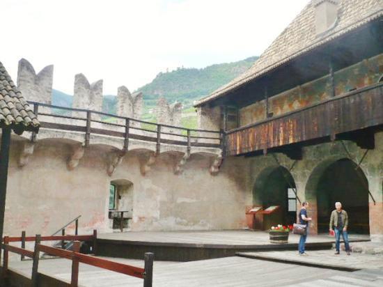 Castel Roncolo - Schloss Runkelstein: Inside the Castel Roncolo