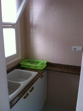 Sunway Apollo Apartments: Kitchen