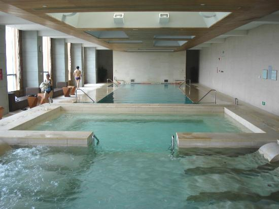 Grand Hyatt Guangzhou : Indoor swimming pool