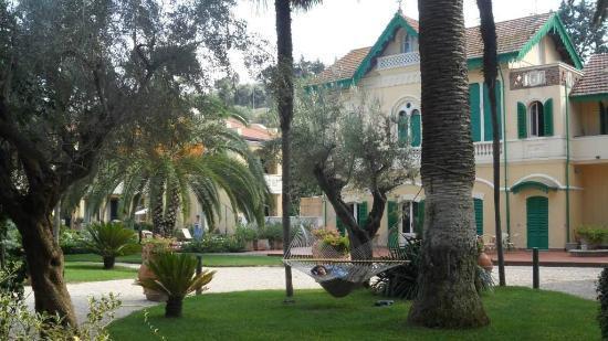 Villa Rosella Resort: quante varietà di piante