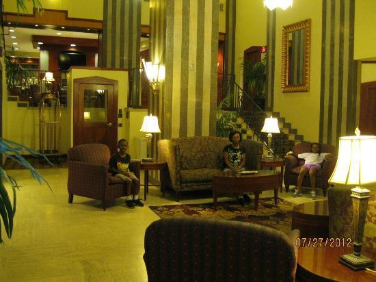 Residence Inn Memphis Downtown: Hotel lobby - - Residence Inn Downtown Memphis