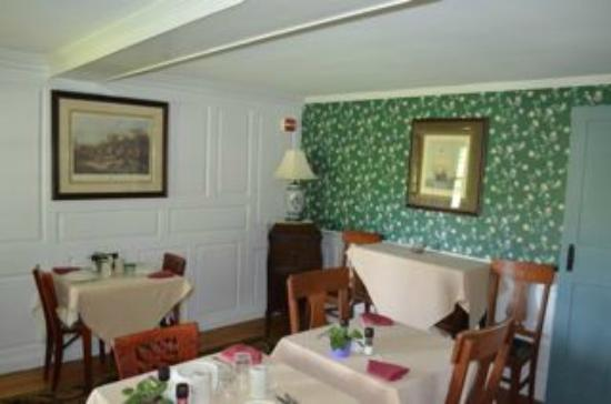 The Henry House Inn: Henry House breakfast room