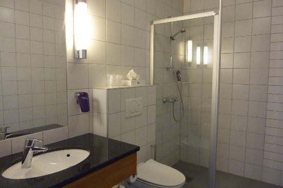 Clarion Collection Hotel Amanda: Badezimmer sehr groß und neu renoviert