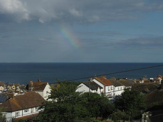 Devonia Guest House: A rainbow viewed from our room at the Devonia.