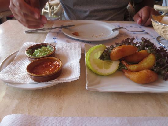La Tabona: Amazing mojo sauces, wonderful fried shrimps!