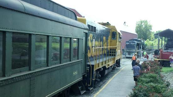 Kentucky Railway Museum: I didn't see the antique engine, but more modern ones.