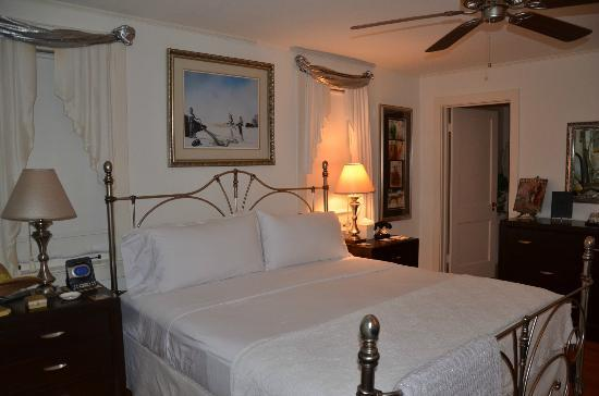 Sabal Palm House Bed and Breakfast Inn: Salvador Dali Room