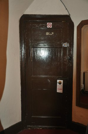 Llanthony Priory  Hotel: Ugly painted door