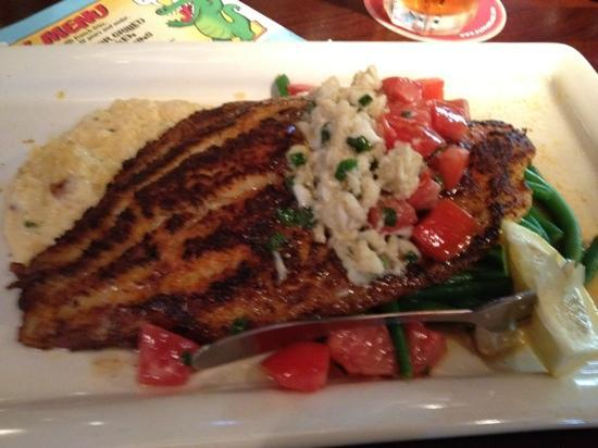 Pappadeaux Seafood Kitchen: blackened catfish with cheesy grits - delicious and perfectly cooked!