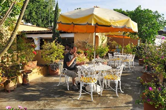 Hotel Azucenas: breakfast on the roof